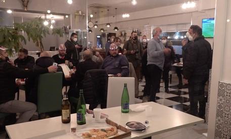 """SALERNO – COVID E CONTESTAZIONE MISURE RESTRITTIVE IN """"A CENA CON IL GOVERNO"""""""