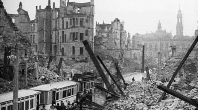4 APRILE – NEL 1943 LE BOMBE SU VIA TRAMVAI A NAPOLI